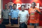 Persib dikawal ketat selama di Jakarta termasuk oleh Brimob