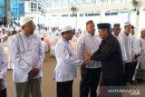Jamaah calon haji diminta perbanyak minum air karena di Makkah cuaca panas