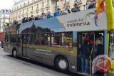 Slogan pariwisata Indonesia yaitu Wonderful Indonesia dipromosikan di New York dan Los Angeles