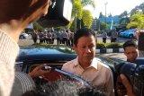 Besuk Gubernur Nurdin Basirun, Wagub Kepri: masyarakat jangan berburuk sangka