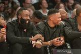 Oklahoma City Thunder dikabarkan sepakati pertukaran Westbrook dengan Chris Paul