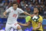 Barca rekrut pemain Jepang Hiroki Abe