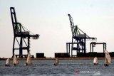 Penambahan alat RTG di Makassar New Port