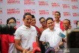 Erick Thohir sumringah saat bertemu sahabatnya Sandiaga Uno
