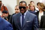 Penyanyi R Kelly jalani sidang atas tuduhan perdagangan perempuan