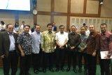 Perdagangan domestik Indonesia menurun,  tapi ekspor meningkat