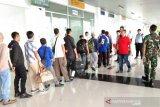 Imigrasi Natuna deportasi 18 WNA asal Vietnam