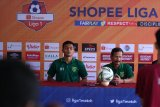 Pelatih Persebaya Surabaya  ingin Bonek bergembira di Makassar