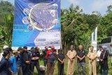 Dekan Fakultas Teknik Universitas Pancasila Dr. Ir. Budhi M. Suyitno (keempat dari kanan) bersama mahasiswa dan pemerintah setempat ketika melihat langsung pengembangan SDM Desa di Bogor.