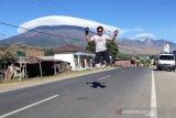 Fenomena topi awan di Gunung Rinjani dikaitkan dengan gempa