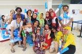 Pendukung berkostum unik tarik perhatian pengunjung Indonesia Open