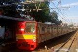 Mati listrik, penumpang yang terjebak rangkaian KRL dievakuasi