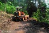 Jalan penghubung Tanjung Sani dan Sungai Batang sudah bisa dilewati