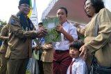 Dukcapil Mataram gandeng enam perusahaan terbitkan kartu identitas anak