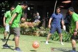 Mantan bintang Manchester United Gary Neville kunjungi Bali