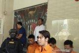 Polisi tangkap artis Kris Hatta terkait penganiayaan di THM