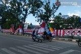 Jelang perayaan hari kemerdekaan, pedagang pernak-pernik warnai jalan protokol