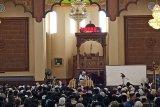Jamaah membludak hadiri ceramah Ustad Adi Hidayat di Padang