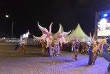 Karnaval budaya-parade kendaraan hias warnai pembukaan Manado Fiesta