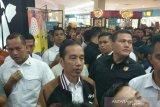 Jokowi dan keluarga malam mingguan di mal Solo