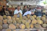 Makan durian sepuasnya sambil minum kopi di Kopinian