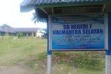 Kegiatan belajar pulih di daerah terdampak gempa Halmahera Selatan