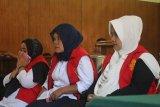 Tiga emak-emak pelaku kampanye hitam Jokowi divonis enam bulan penjara