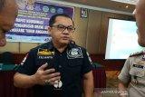Imigrasi projustitia 13 orang asing di Semarang