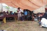 Wabup Jayawijaya minta masyarakat hentikan perampokan terhadap petugas medis-guru