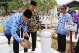 Sambut Hari Jadi ke-17, Bupati ziarah ke makam pendiri Lamandau