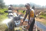 Polisi modifikasi kendaraan untuk sedot air padamkan kebakaran hutan dan lahan
