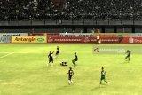 Liga 1 -- Persebaya Surabaya kalahkan Persipura Jayapura 1-0