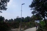 Satu dari tujuh tiang lampu solar cell yang dibuat oleh Fakultas Teknik Universitas Pancasila Jakarta yang terpasang di Desa Leuwisadeng Kabupaten Bogor Jawa Barat dalam program Teknik Pancasila membangun Desa.
