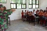 Satgas TMMD Kodim Yawa gelar penyuluhan cuci tangan kepada pelajar Kurudu