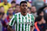 Selangkah lagi, Barcelona rampungkan transfer Junior Firpo dari Betis