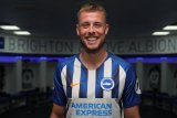 Brighton rekrut Adam Webster dari Bristol