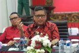 Peserta dan peninjau Kongres V PDI Perjuangan tiba di Bali