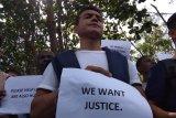 Pencari suaka di Bintan unjuk rasa
