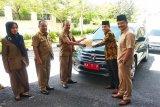 Wakil Ketua DPRD Kota Solok kembalikan mobil operasional jelang masa jabatan habis