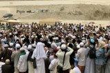 Suhu di Mekkah teduh saat hari berpulang Mbah Moen