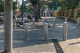 Pekerjaan merevitalisasi pedestrian Sudirman mulai bongkar trotoar