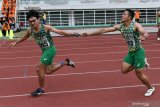 Tim estafet 4x400 meter Jawa Timur sapu bersih medali emas
