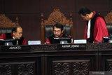 Hakim MK sebut permohonan caleg PAN Gunung Mas salah objek