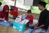 Tim publikasi Ustad Abdul Somad sumbang buku Taman Baca Alam Takambang
