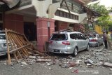 Atap teras Gedung Korpri Jateng runtuh