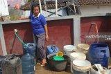 PT KAI salurkan bantuan air bersih kepada warga Bandarlampung