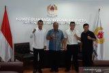 Ketua Umum KONI pertemukan tiga juara dunia tinju asal Indonesia