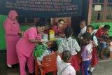 130 anak sekolah dan balita di Kampung Puay Jayapura dapat imunisasi polio