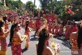 Kemeriahan penyambutan Presiden Jokowi dan Megawati di Bali