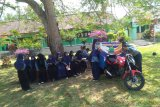 SMPN 1 Rajabasa Lampung Selatan giatkan siswa membaca buku